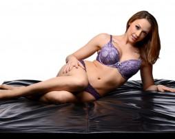 sabana erotica de vinilo modelo
